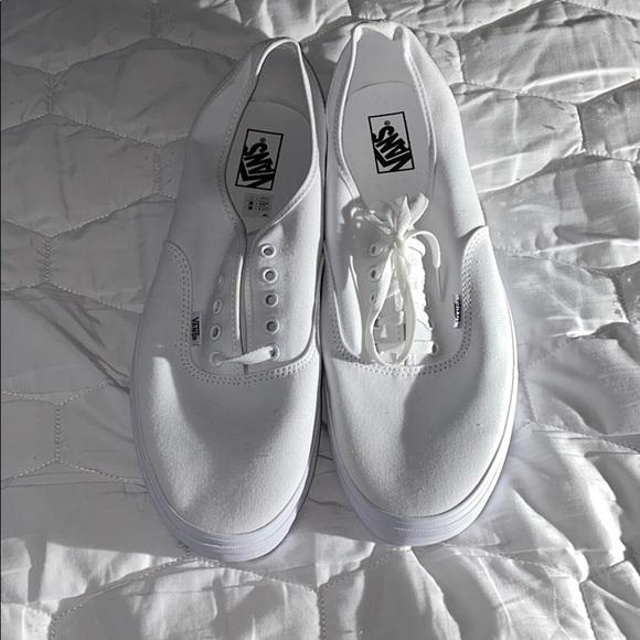 white vans size 15